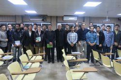 جلسه رئیس دانشگاه صنعتی امیرکبیر-پردیس ماهشهر و مدیر مالی اداری این واحد با دانشجویان جدیدالورود کارشناسی ۹۵