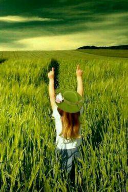 در این دنیای رویا گونه چیزی نیست که ارزش بیقراری ذهن را داشته باشد ؛؛؛؛؛؛؛؛  آرامش والا ترین سعادتست وچیزی ارزش آن را ندارد که آرامشت را فدایش کنی ؛؛؛؛؛؛؛؛؛