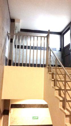 طراح و مجری: نرده های استیل،حفاظ استیل بانكی،پله و درب استیل،انواع سازه های استیل ٠٢١٦٦٢٧٥٨٠٩ ٠٩١٢٣٦٧٣٠٣٢ شقاقی عضو كانال تعاملی ما شوید  https://goo.gl/MTQbSN  http://artasteel.ir/خدمات/نرده-استیل/