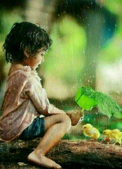"""یکی ازمعدود آدمهایی که واژهی """" انسانیت """" برازندشون هست . کسانی هستند که میدانند ممکنه """"محبتشون """" جبران نشه . ولی باز هم محبت میکنند..."""
