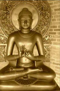 بودا به زیبایی میگوید :   از دوست بی صداقت و بدجنس باید بیش از جانوری وحشی  در هراس بود چرا که یک حیوان وحشی  بدنت را زخمی می کند  اما یک دوست بدطینت ذهنت را