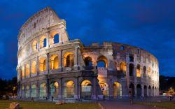 کولوسئوم (به زبان ایتالیایی Colosseo) در شرق شهر رم ساخته شده است و یکی از بزرگترین آمفی تئاتر های کهن دنیا و بزرگ ترین تماشاخانه دوران امپراطوری روم باستان محسوب میشود و هم اکنون حدودا 4 میلیون نفر در سال از کولوسئوم بازدید مینمایند. کولوسئوم برای مسابقات گلادیاتورها، شکار و کشتن حیوانات وحشی، اعدامها، بازآفرینی نبردهای مشهور و نمایشهایی بر اساس اسطورههای کلاسیک روم استفاده میشده است.