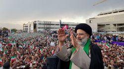 استقبال نیم میلیونی از آیت الله رئیسی در مشهد