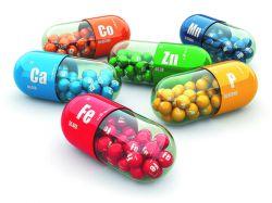 ویتامینها و مواد معدنی: آرتروز براساس استرس های اکسیداتیو پایه ریزی می شود و ویتامینها به این روش با آن مبارزه میکنند.