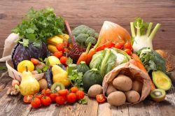 کمبود پتاسیم (Potassium) در بدن چه عوارضی دارد؟ 1.احساس ضعف و خستگی 2.مستعد به گرفتگی شدید عضله 3.فشار خون بالا 4.تپش قلب