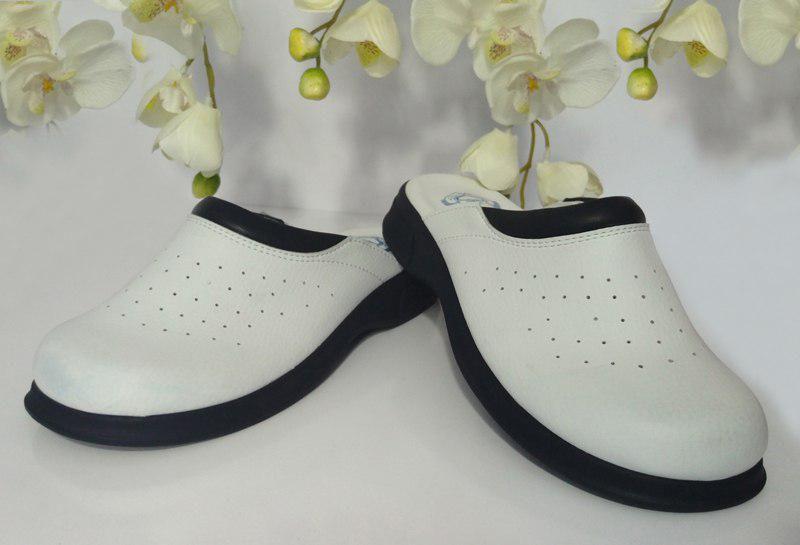 صندل ارتوپدیک زنانه ترکیه طرح سفید کف سرمه ای  در ۵ رنگ و طرح زیبا  کف ۱۰۰% طبی و ارگونومیک  سایزهای مختلف