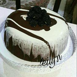 کیک شکلاتی #لیلی_پز ببخشید ماه رمضونه عذر میخام دوستان  پ.ن اگه دستور خواستین حتما تایپ میکنم واستون  #لیلی