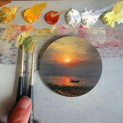 زندگی بوم سفیدیست  من و تو نقاشهای این صفحه ایم ... زندگی را میتوان زیبا نگاشت ، زندگی را میتوان رنگی کشید ، اندکی رنگ محبت ،  بیشتر رنگ عشق  سایه روشن هایی هم رنگ صفا......