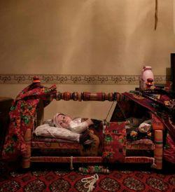 فرش ایرانی یعنی آرامش...  شما هم نظرتون رو در مورد این عکس بنویسید. برای دیدن عکسها و مطالب بیشتر میتونین به سایت ما مراجعه کنید. (www.arias.ir)