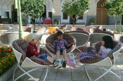 یه روز خاطره انگیز در هتل عباسی اصفهان واسه بچه ها