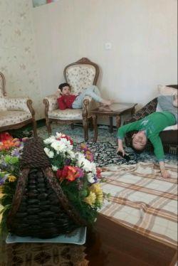 فیگور بچه های من موقع تماشای تلویزیون