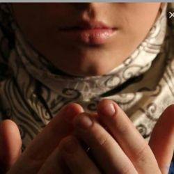 """اللهی ترسهاے بےدلیلم را ڪہ ریشه در  باورِ ضعیفم دارد از من بگیر...   جارے ڪن چشمه ایے از آرامش بےمثال خودت را بر قلبم...  """"آمین یارب"""