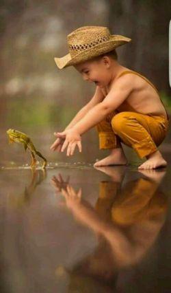 فرصتی بسیار کوتاه به ما داده شده برای زندگی کردن نه فقط زنده بودن...…  برای شاد بودن ,لذت بردن از  نعمات الهی...…  تا فرصت هست زیبا زندگی کن......سلاااام روزتون بخیر وعمرتون پربرکت ^_^ 