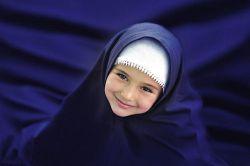 در شب چادرت تو می تابی مثل یک کوه نور می مانی  سلام بانوی سرزمینم روز عفاف و حجاب به همه ی شما مبارک باد ما همه بهتون افتخار می کنیم هوای دلتون و راهتون تا ابد زهرایی:)