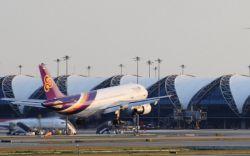 بهترین راز مخفی نگه داشته شده فرودگاه بانکوک  مکانهای زیادی برای غذا خوردن و نوشیدن در فرودگاه Suvarnabhumi بانکوک وجود دارد. از استارباکس تا سوشی، Suvarnabhumi همه نوع گزینهای دارد؛ بنابراین در زمان انتظار برای پرواز برگشتتان از تور تایلند، گرسنه نخواهید ماند.