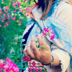 آنان که خوبند همیشه سبزند آنان که بزرگی و محبت در قلبشان جاریست همیشه به یاد می مانند  روزگارتون پُر از شکوفه های مهربانی