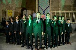 اجرای خیابانی  گروه سرود عاشقان ولایت یزد تا آسمان راهی نیست...