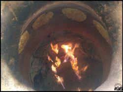 پخت نان تنوری در آبنوس 1 -- در کنار یک دیزی خوشمزه، یک نان داغ تنوری هم که باشه دیگه هیچی...! _____ طرقبه - نبش عنبران 4