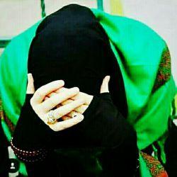 حجاب بر صورت هر ڪسی ڪہ مےنشیند ،  بر سیرتش هم ، جا خــــــوش می ڪند ،  باور ڪن حتی خـاك چـادرت هم مقدس است...آرۍ با توأم مدافع چـادر حضرت زهــرا(س)... #یافاطمه-الزهرا #حجاب -تنهایادگارمادرمه #سیدوسادات