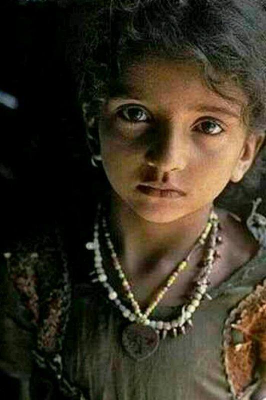غم و شـادی انسانها را مےتوان از چشمانشان فهمید نگـاه را نمےتوان آرایش کرد...
