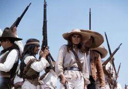 فیلم سینمایی 100 اسلحه  www.filimo.com/m/5VdCI
