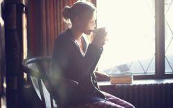 راحت  قهوه ات  را  بخور!  از ته این فنجان  نه کسی آمده ست  نه کسی مانده ست  فال تو ...  همین طعمی ست که میچشی...