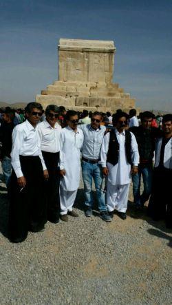هرساله بیاد کوروش بزرگ مقبره شیراز