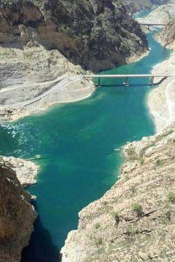 یکی از آبای کارون۴بزرگترین سد ایران