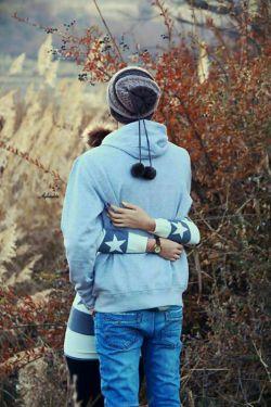 و آغوشِ تو بود  که ثابت کرد  گاهی در حصارِ دستانِ کسی بودن  میتواند اوجِ آزادی باشد...  #رکسانا_احمدشاهی
