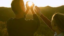 آیا می دانید افرادی که به اندازه کافی در معرض نور خورشید قرار نمیگیرند بیشتر دچار کمبود کلسیم هستند؟