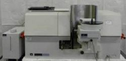 آزمایشگاه مركزی دانشگاه صنعتی امیركبیر پردیس ماهشهر دارای دستگاههای پیشرفته با حساسیت بالا و قابلیت انجام تستهای كیفی و كمی در زمینههای مختلف ( نفت، گاز، پتروشیمی، معدنی، دارویی و کشاورزی ) میباشد. یكی از این دستگاهها دستگاه طیف سنج جذب اتمی( Atomic Absorption Spectroscopy ) میباشد.  ادامه خبر  http://mahshahr.aut.ac.ir/doku.php?id=events:flyers:flyer_1396_05_08_news