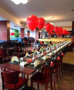 رستوران ابنوس  تولد و سالگرد ازدواجتان را خاطره انگیز كنید. كیك و تزئین میزتان هدیه ى آبنوس به شماست (رایگان)  (در صورت رزرو قبلى)  تلفن رزرو: ٣٨٤٤٣٧١٥ ٣٤٢٢٢٤٤٥