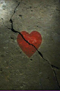 قلب ترگ گرفته هیچ وقت خوب یا درست نمیشه......
