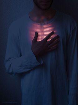 یارب تو مرا به نفسِ طناز مده / با هر چه بجز توست مرا ساز مده /  من در تو گریزان شدم از فتنهی خویش / من آنِ توام مرا به من باز مده .. !  #مولوى