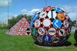 بازیافت هنرمندانه تابلوهای ترافیکی در پنسیلوانیا آمریکا