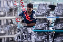 با تعریف پروژه همکاری مشترک گروه قطعات خودرو عظام و کشورهای اروپایی : دانش فنی تولید قطعات کلیدی قوای محرکه خودرو به کشور منتقل می شود   https://goo.gl/PvAKBD