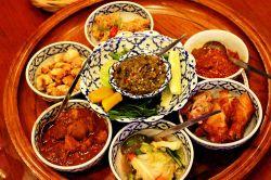 جاذبه های تفریحی چیانگ مای  اگر برای تفریح به شهر چیانگ مای سفر کردهاید باید بدانید که یک انتخاب درست را انجام دادهاید. در شهر چیانگ مای جاذبههای تفریحی بسیار زیادی وجود دارد که در این مقاله به معرفی تعدادی از آنها پرداختهایم.