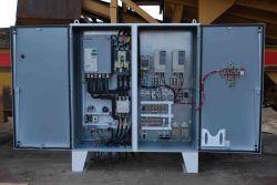 نمونه ای دیگر از انواع تابلو برق و قطعات به کار رفته در داخل آن را مشاهده میکنید.