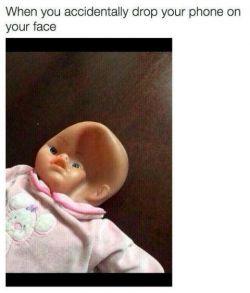 وقتی به طور اتفاقی گوشیت از دستت میفته رو صورتت!
