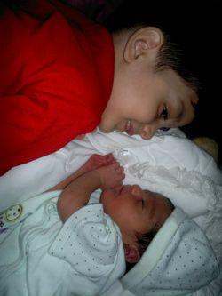 امیر علی و خواهر کوچولو