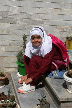 دخترم  نرگس سادات  امروز رفت کلاس اول ☺