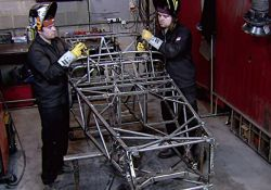 فیلم مستند چگونه ماشین های رویایی ساخته شده اند: پورشه    www.filimo.com/m/Ed9KJ