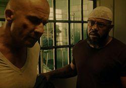 سریال فرار از زندان  www.filimo.com/m/4859