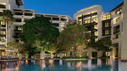 هتل سیتی پوینت (Citypoint Hotel) در کنار ایستگاه قطار شهری اسکایترین (Skytrain) قرار گرفته و یکی از محبوبترین هتلهای بانکوک به حساب میآید. اتاقهای این هتل دارای پنجرههای بزرگ و نورگیر میباشند و چیدمان آنها با استفاده از آثار هنری بومی انجام شده. از جمله سایر امکانات موجود در اتاقها میتوان به تلویزیونهای تخت به شبکههای کابلی و حمام شیشهای اشاره نمود.