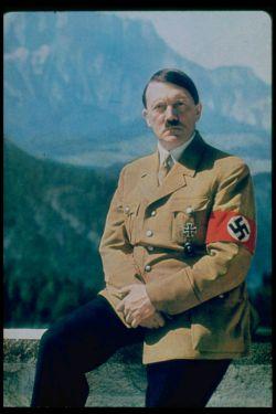 بهترین وسیله برای شکست یک ملت ناتوان ساختن انرژی و اراده معنوی است .#هیتلر
