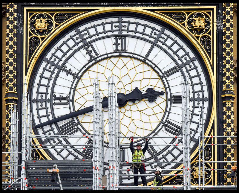 """زدن داربست در مقابل ساعت بزرگ """"بیگ بِن"""" به منظور تعمیراتی که 4 سال طول خواهد کشید – لندن"""