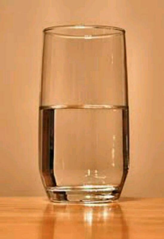 مامبزرگم میگه وقتی آب میخوری اعوذو بالآه  بگو چون توآب 3 تا جن وجود داره 1دونه اکسیجن 2دونه هیدروجن