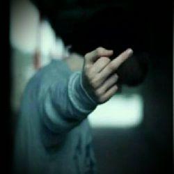 همیشه با کسی  درد  دل کن  که دو چیز داشته باشد یکی درد ودیگری  دل?... غیر از این باشد می خندد به  تو