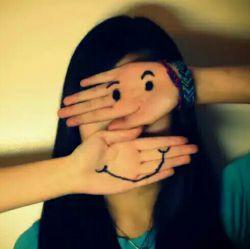 """گاهی محیط اجبار میکند که دائم به بعضی ها لبخند بزنم.. گاش میحط اجازه میداد """"یک مشت بزنم"""""""