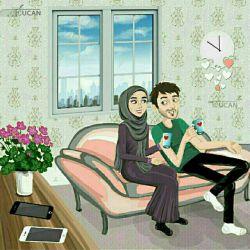 رسول خدا -ص- فرمود :هر چه ایمان انسان کامل تر باشد به همسرش بیشتر اظهار محبت می نماید